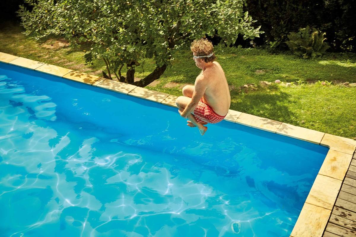 heroteaser pool springen