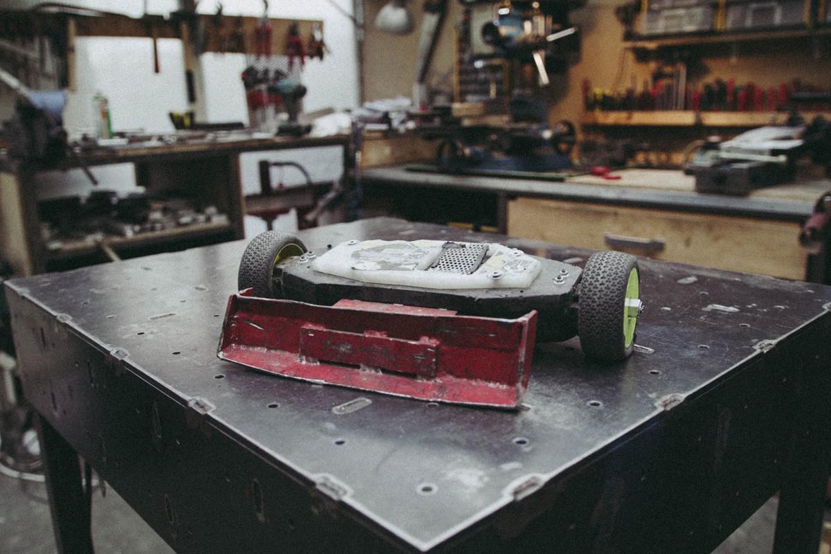 Der Roboter Flipbot Bullfrog in der Werkstatt;
