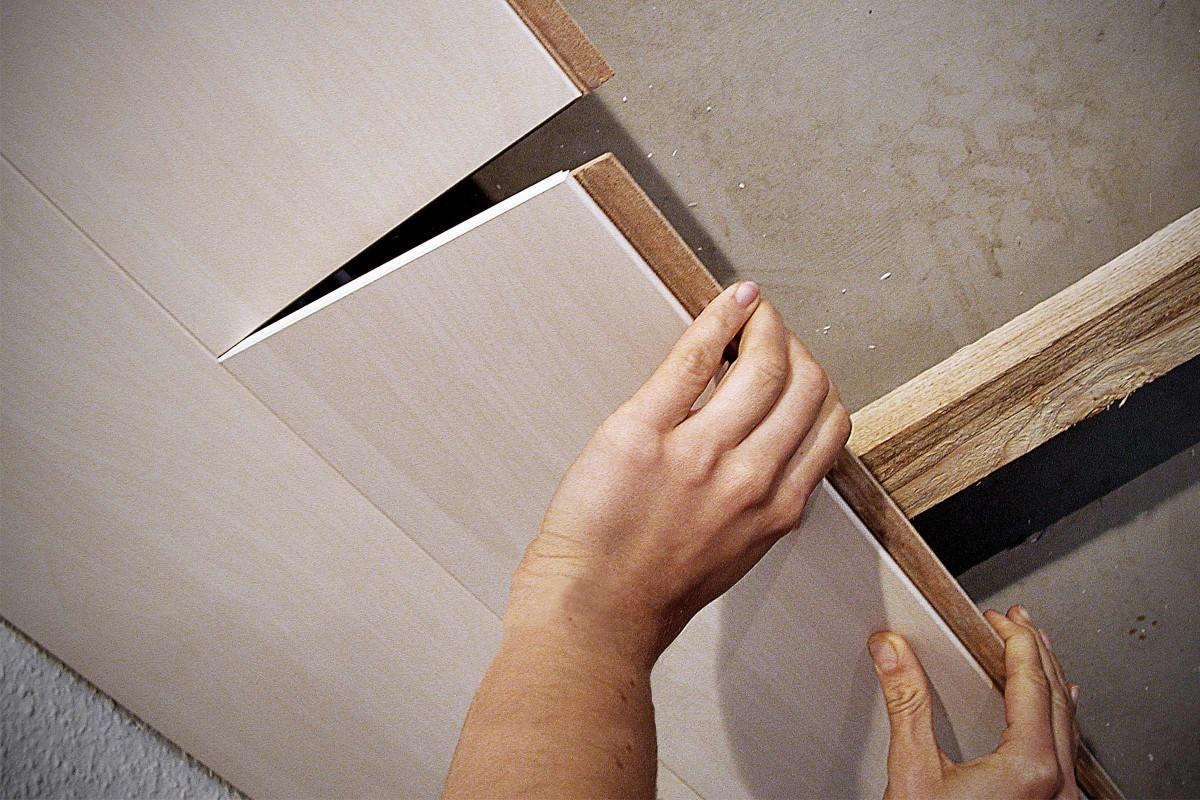 Decken und Wände mit Paneelen verkleiden   Anleitung von HORNBACH