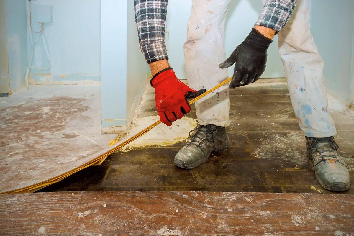 Klebereste estrich entfernen von linoleum Teppichkleber von